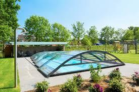Een zwembad overkapping voor jouw buitenzwembad